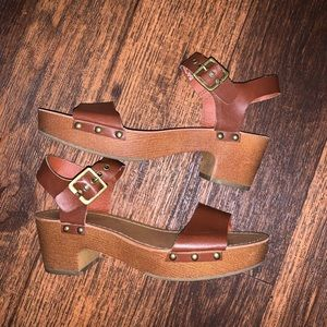 American Eagle | Brown Heeled Sandals Size 7.5